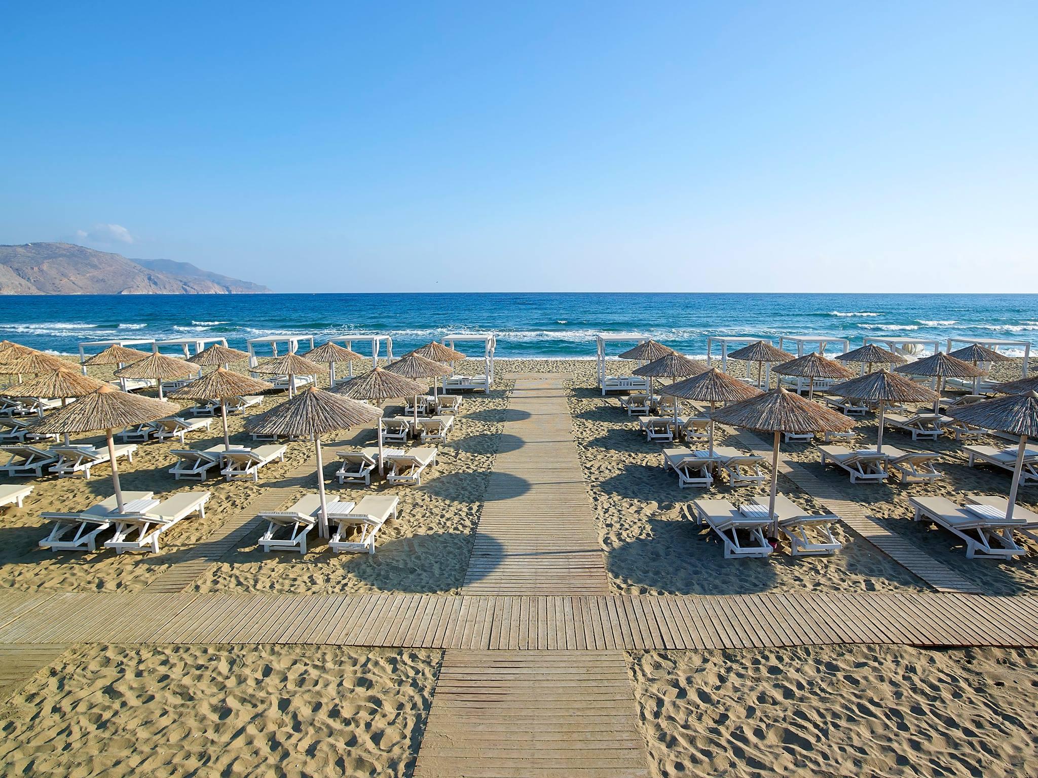 Anemos Luxury Grand Resort beach