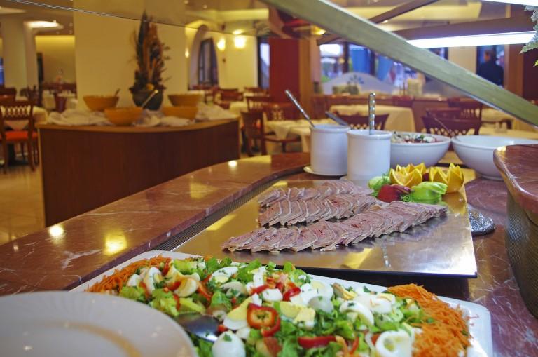 Bar and Restaurants at Mythos Palace Resort & Spa