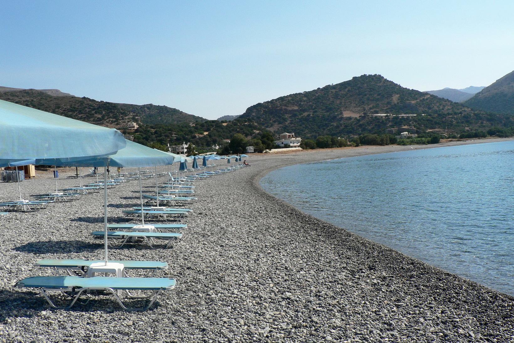 paleochora-beaches-stone-beach-01